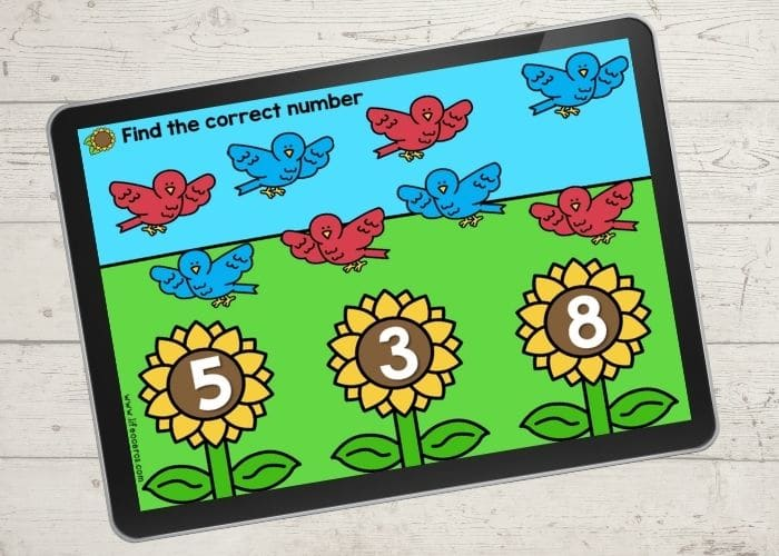 The slide for the number 8 from the digital bird theme preschool counting activities.